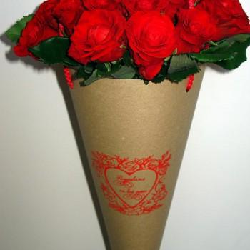 конусная упаковка для цветов