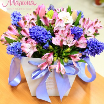 Коробки для цветов из ламинированного картона